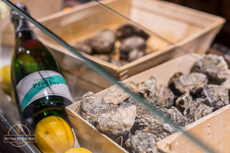 Oysters and Le Piollot Champagne, Restaurant La Quincaillerie