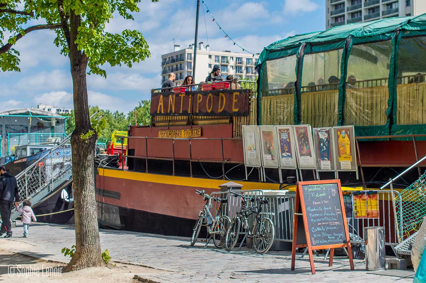 Antipode, bar on a boat