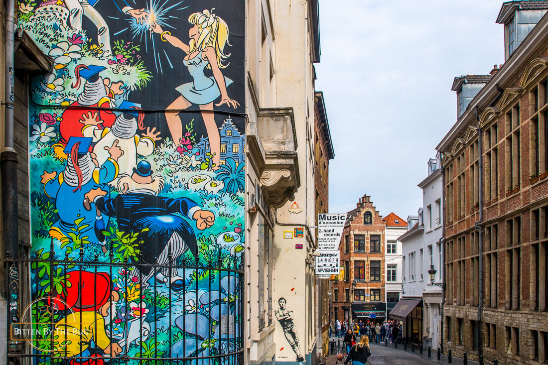 Main sights in Brussels - Cartoon walls